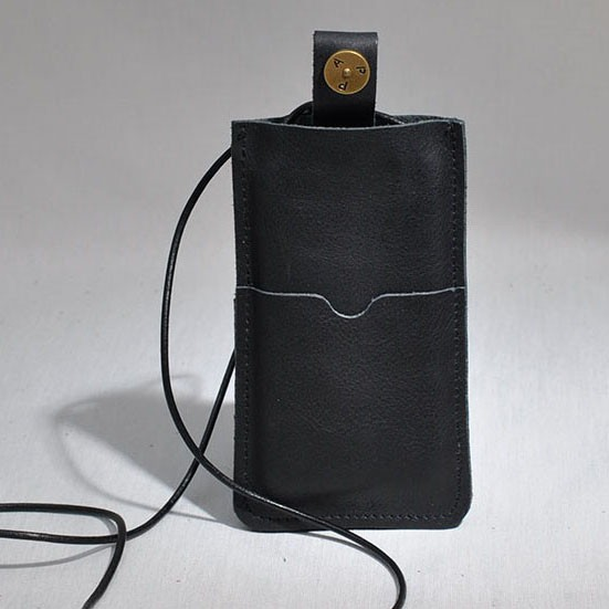 P.A.P Læder Etui m/ Kortholder & Neckband til Bl.a. iPhone 5 - Sort
