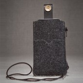 P.A.P Filt Etui m/ Kortholder & Neckband til Bl.a. iPhone 5 - Mørkegrå