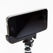 Sidekic Tripod Mount & Stand til iPhone 4S / 4 - Sort